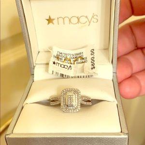 Diamond Halo Ring (1/4 ct. t.w.) in 10k W. Gold 7